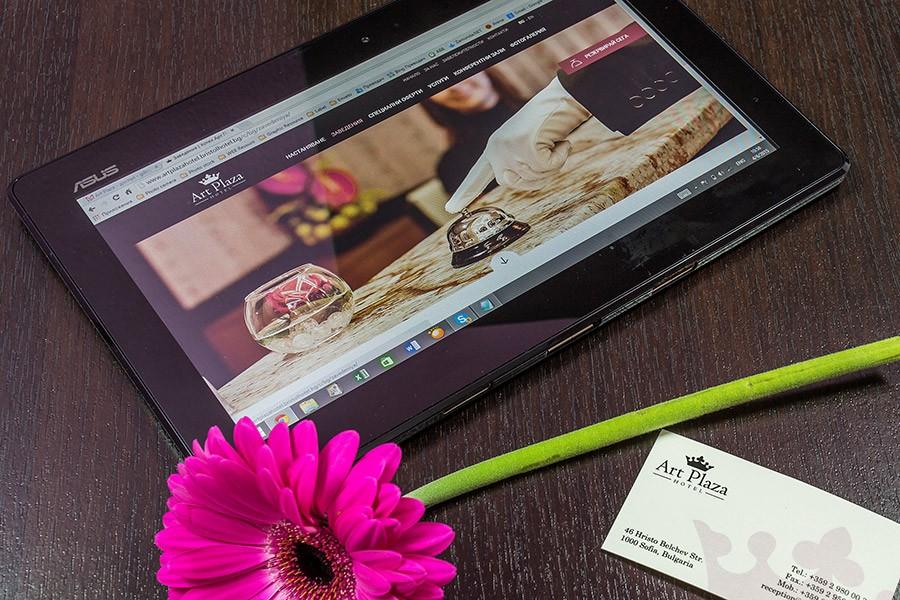 Уеб сайт на хотел Бест Уестърн Арт Плаза