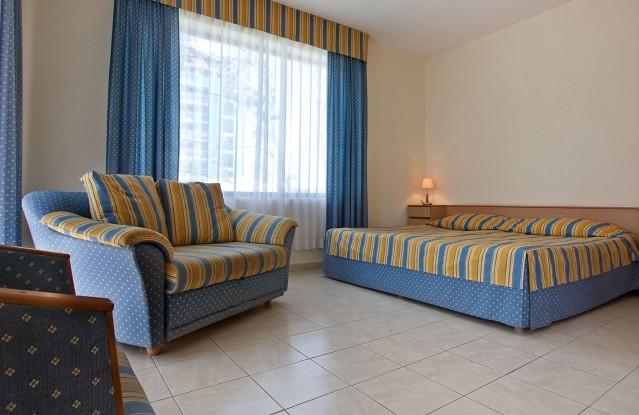 Интериорна фотография на хотел Лебед