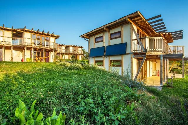Интериорна фотография на еко селище Дебели даб