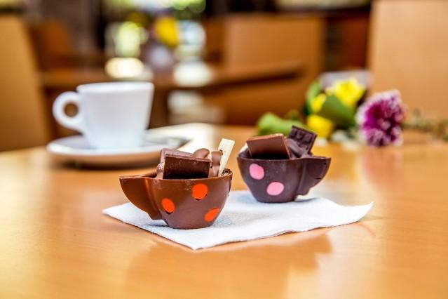 Интериорна фотография на  сладкарница Фредо
